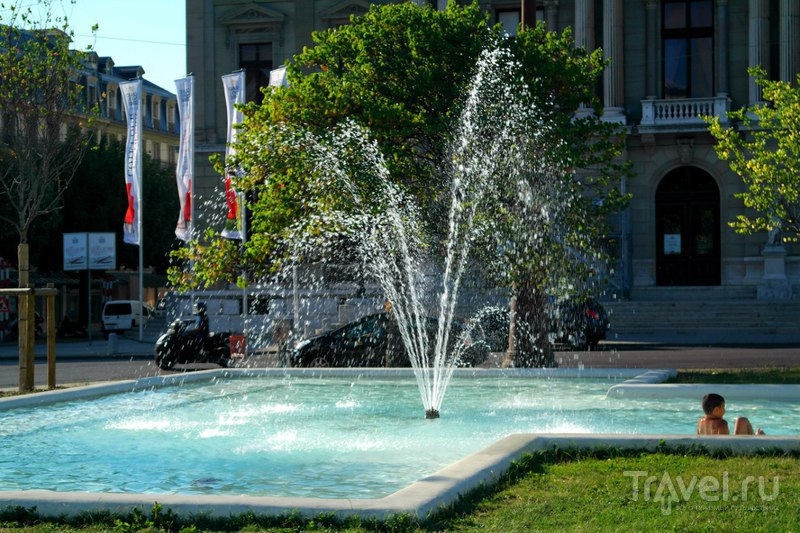 Женева, Швейцария - От исторического центра к парку Бастионов / Швейцария