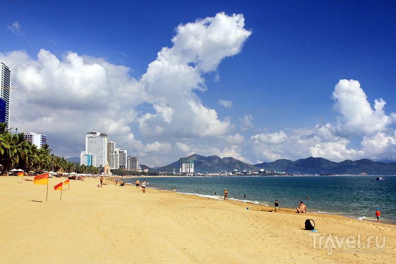 Городской пляж Нячанга - Nha Trang beach / Фото из Вьетнама