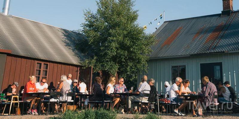 Летние столики в ресторане Kullens Kök