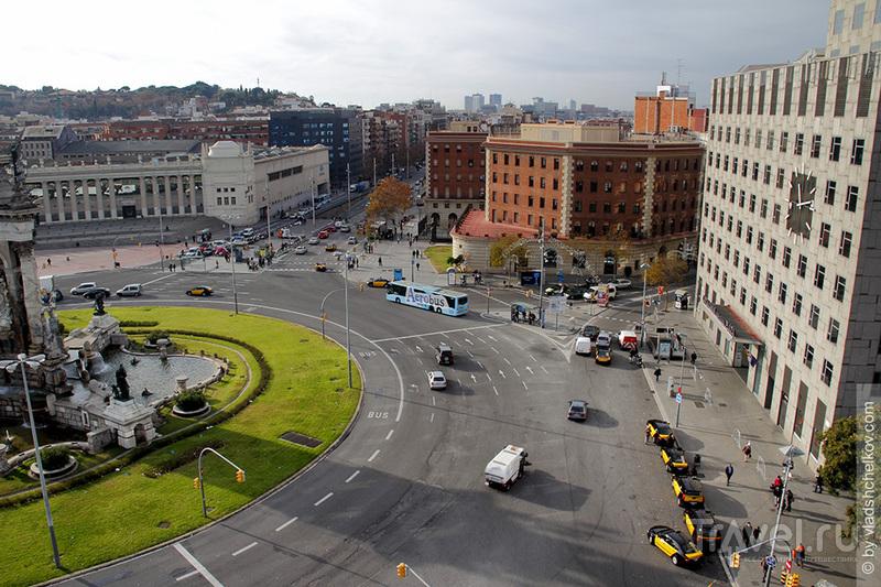 Виды с Арены на Plaça d'Espanya, Barcelona / Испания