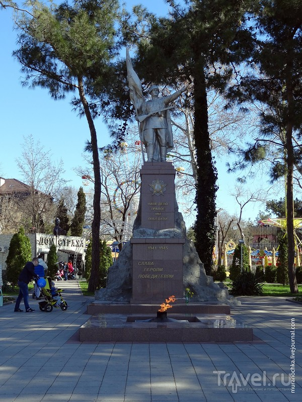 Скульптурная набережная Геленджика / Россия