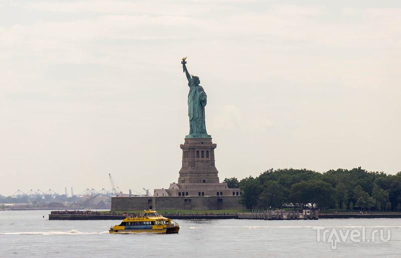 Нью-Йорк, Нью-Йорк. Паром и вид на 360 градусов / Фото из США