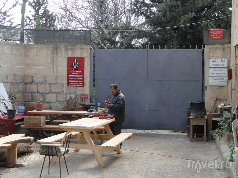 Разрушенная линия противостояния: самая нетуристическая часть Никосии - столицы Кипра / Кипр
