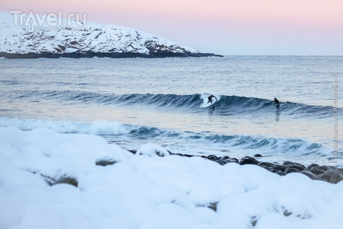 Серфинг в Арктике зимой / Россия