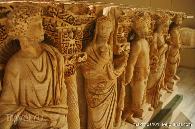 Саркофаги из Археологического музея в Стамбуле / Турция