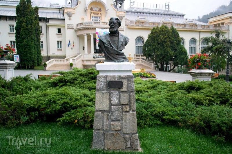 Синая, Румыния - Осмотр городка по дороге в замок / Румыния