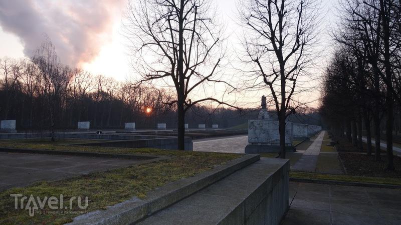 """Монумент """"Воин-освободитель"""" в Трептов-парке / Германия"""