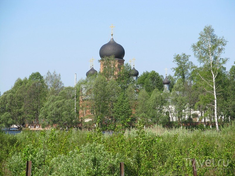 Свято-Введенский Островной монастырь / Россия