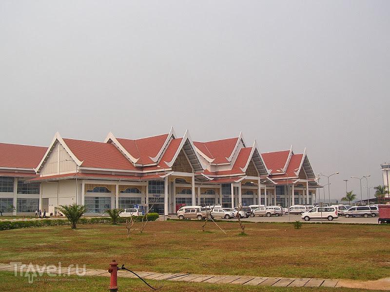 Лаос. Луанг Прабанг. Пешком в аэропорт / Лаос