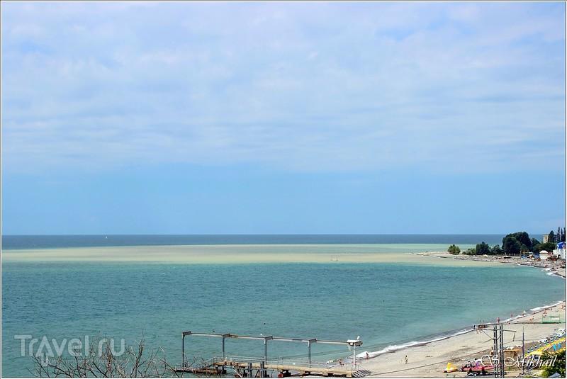 Адлер. Пляж и набережная центрального района / Фото из России