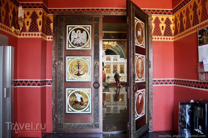 Современный и демократичный храм Сочи / Россия