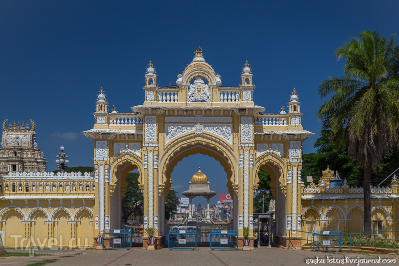 Майсорский дворец Амба Вилас / Фото из Индии