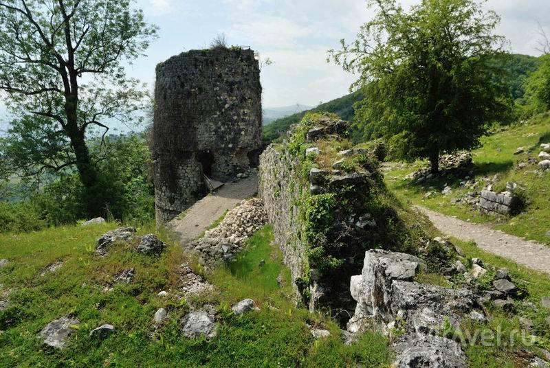 Остатки Анакопийской крепости / Россия