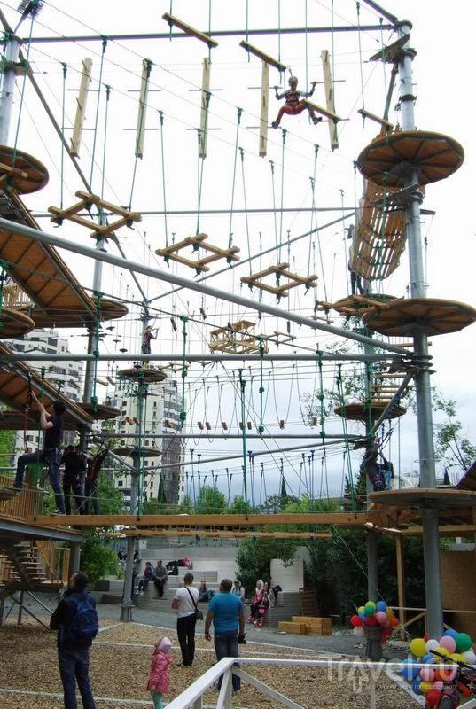 Веревочная трасса в парке Ривьера / Россия