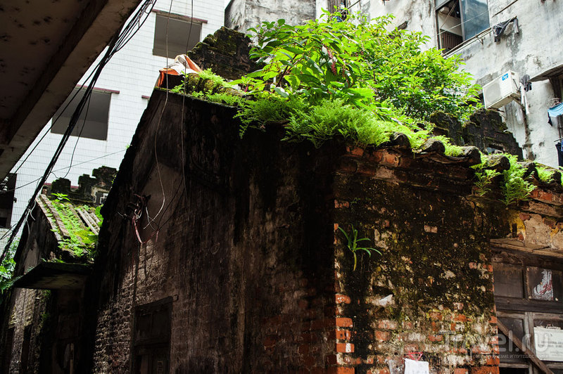 Старый Гуанчжоу: район Xiancun. Трущобы в центре мегаполиса / Китай