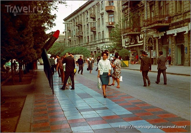 """Тротуары Баку - """"миллион за улыбку"""" / Азербайджан"""