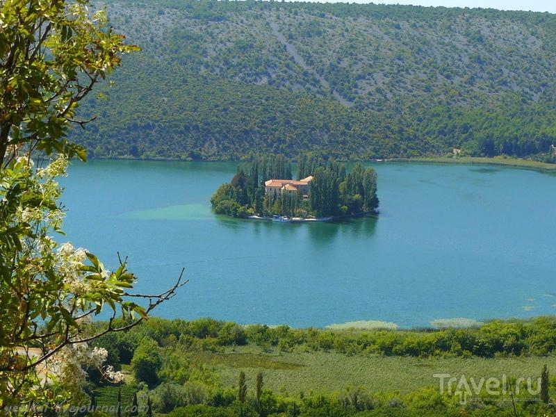 Словения - Хорватия без городов. Парк Крка - монастырь Висовац на острове / Фото из Хорватии