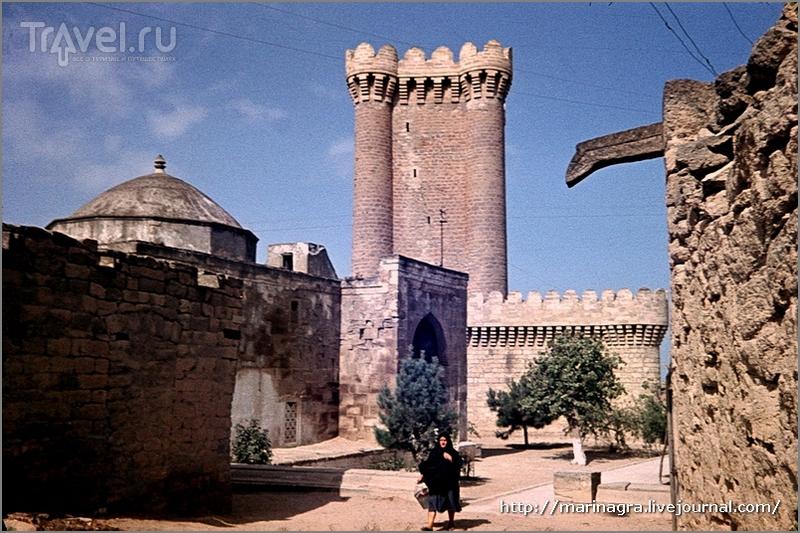 Азербайджан. Замки, наскальные рисунки и поля маков / Азербайджан