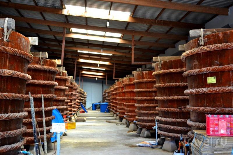 Фабрика по изготовлению рыбного соуса Ныок Мам