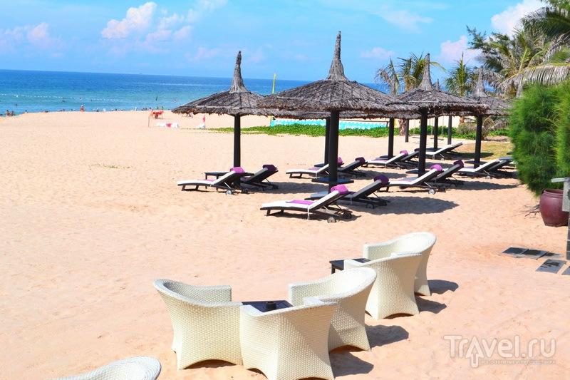 Пляж отеля Anantara. Берег Южно-Китайского моря