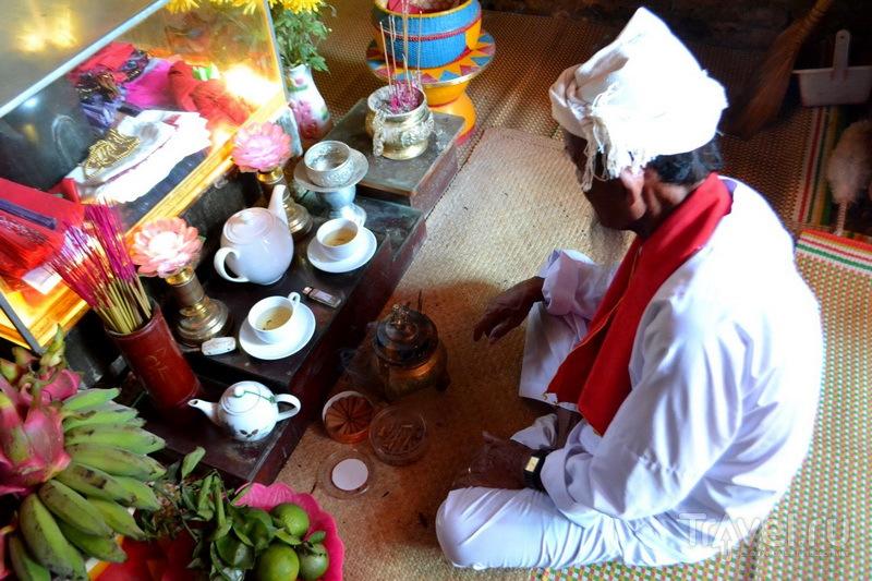 Шиваит за ежедневной молитвой