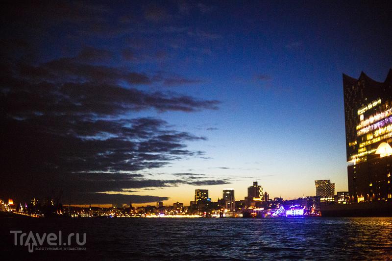 Гамбург от рассвета до заката. Фишмаркт, традиционная еда и ночная гавань / Германия