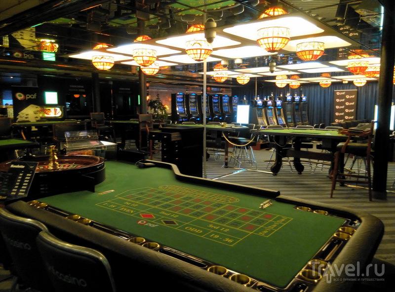 Игровой зал с рулеткой