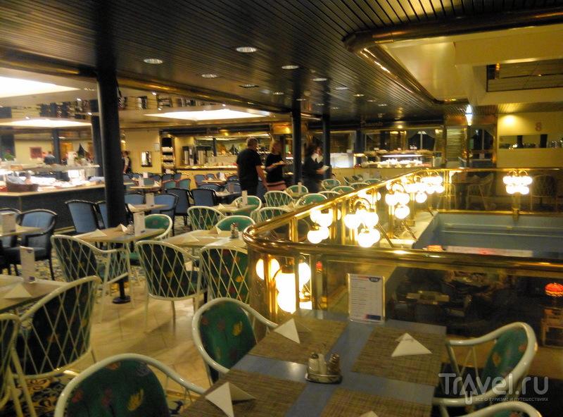 Интерьер ресторана Seven Seas