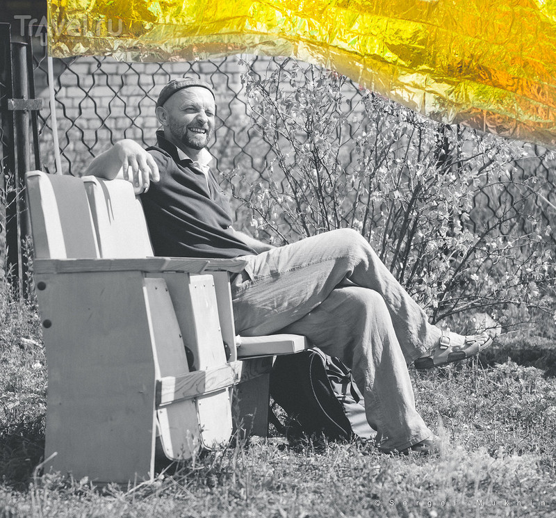 """Выставка современного искусства в русской деревне. Там, где Репин писал """"Бурлаков"""" / Россия"""