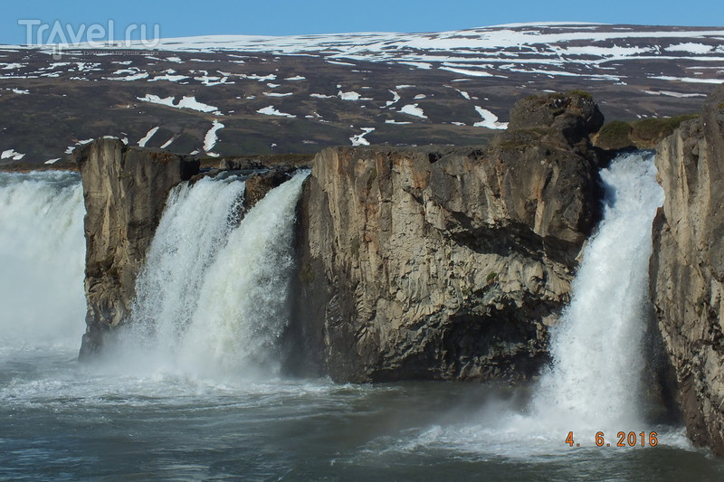 Исландия. Водопад Godafoss. Город  Akureyri / Исландия
