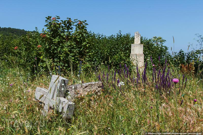 Лаки. Крымская хатынь и греческий храм / Фото из России
