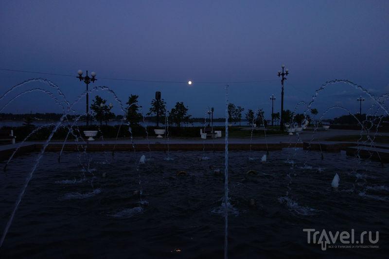 Ярославль, полнолуние, Волга, исторический центр / Фото из России