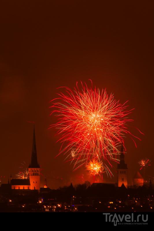 Новогодние фейерверки над Старым городом