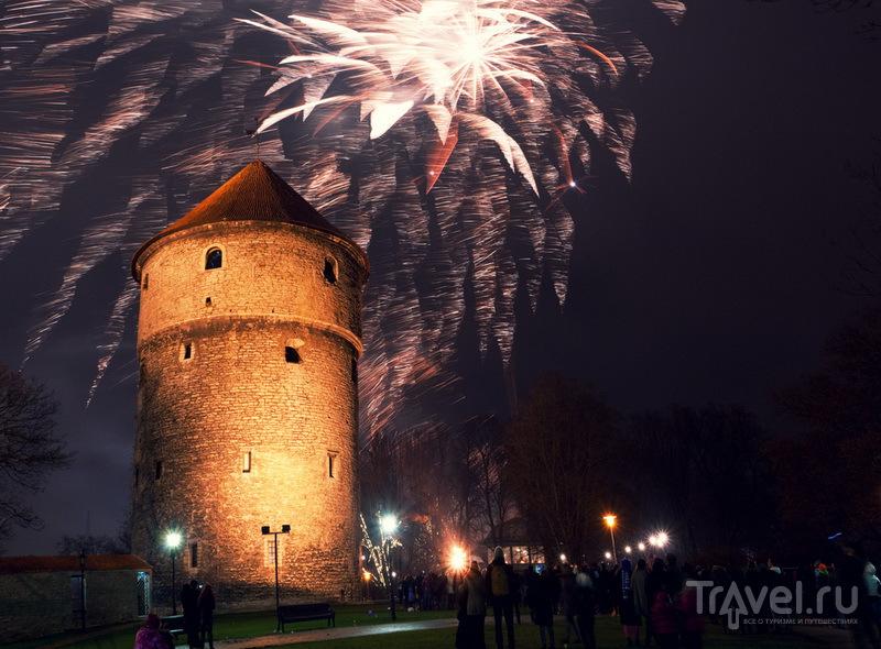 Новогодний фейерверк над башней Kiek-in-de-Kök