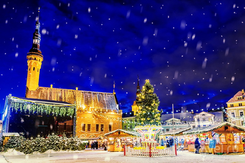 Рождественская ярмарка на Ратушной площади