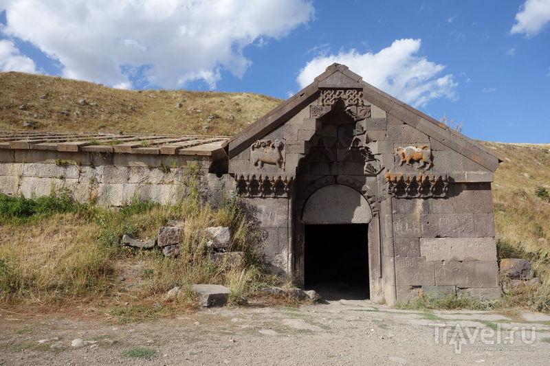 Армения. Монастырь Нораванк, дороги, караван-сарай / Фото из Армении