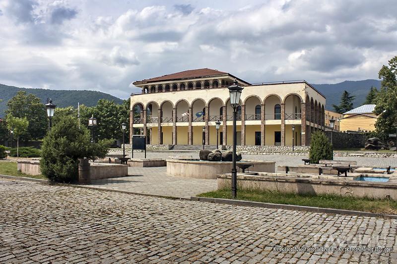 Большой туристический центр в Кварели / Грузия