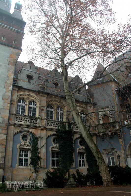 Замок Вайдахуняд: непростая архитектура / Венгрия