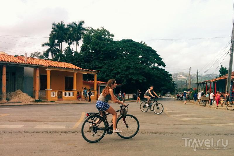 Велосипедисты в городе Пинар-дель-Рио