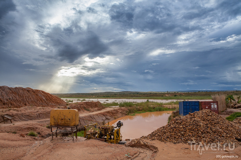 Два дня на сапфировых приисках Мадагаскара / Мадагаскар