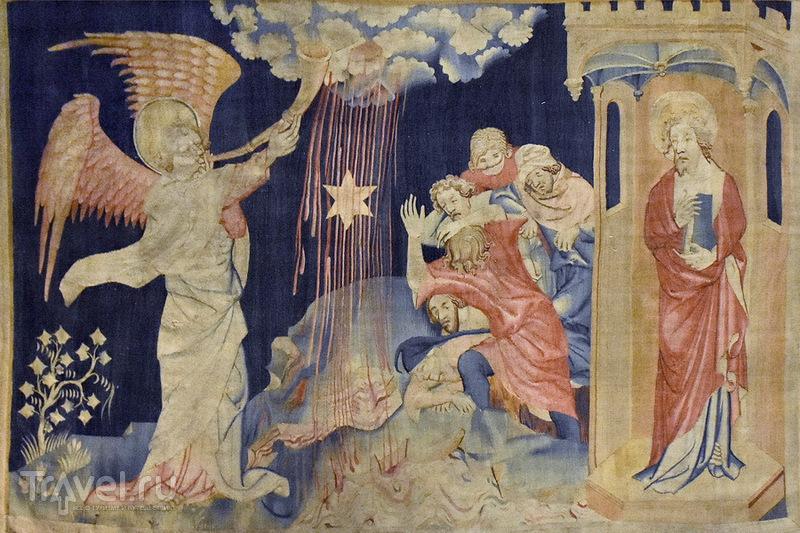 Луарские истории. Камни Ланже и Лоша. Аббатство Фонтевро. Анжерский замок / Франция