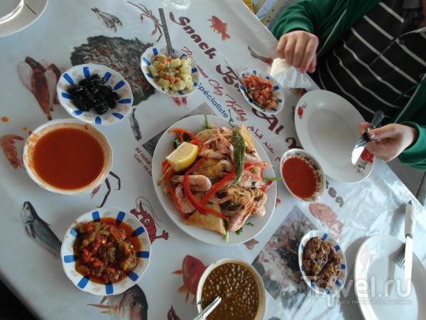 Парочка едален в марроканской Касабланке / Марокко