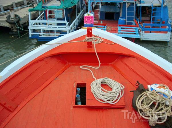 Сиамский залив. Кораблик. Посадка-погрузка / Таиланд
