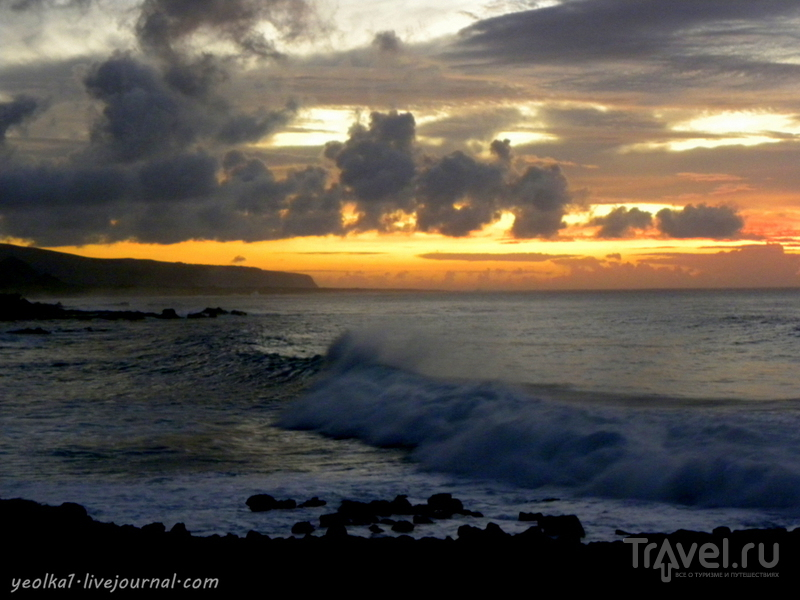Остров Пасхи. Рассвет на океане / Фото из Чили
