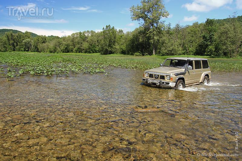 Через грязи и поля до обрыва над рекой Нугуш. Водопад Куперля и карстовый мост / Россия