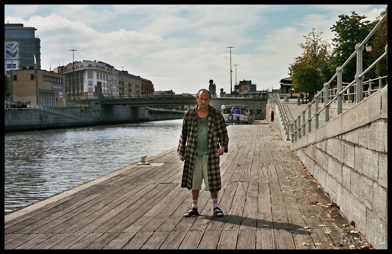 """Кадр из фильма """"Новейший завет"""" / Бельгия"""