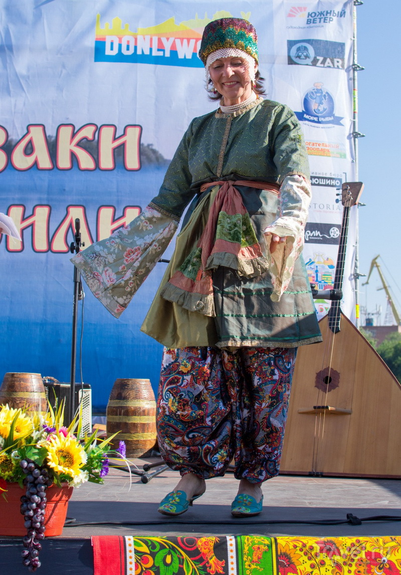 Национальный казачий костюм / Фото из России