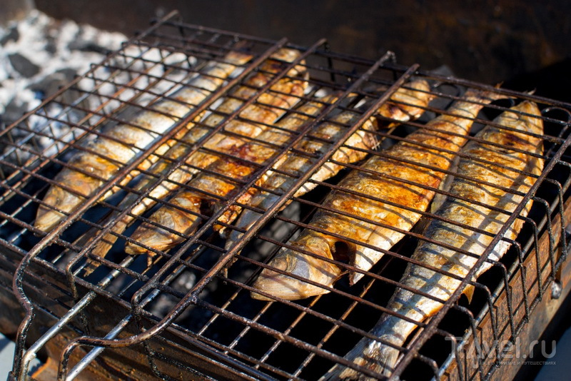 Рыбка на огне / Фото из России