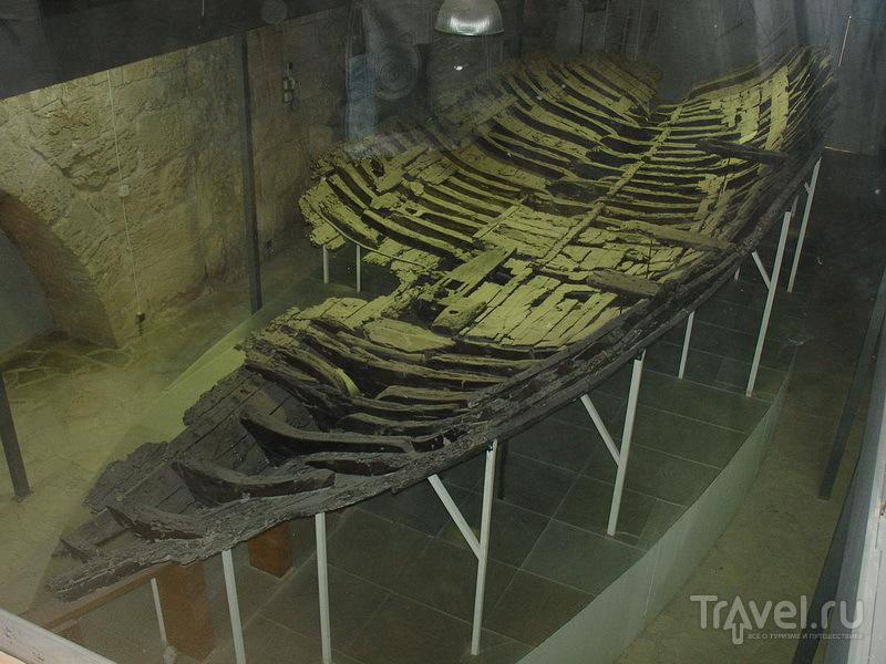 Киренийский корабль - экспонат музея кораблекрушений