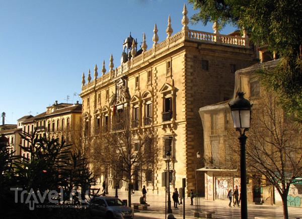 Здание в Гранаде, Испания / Фото из Испании